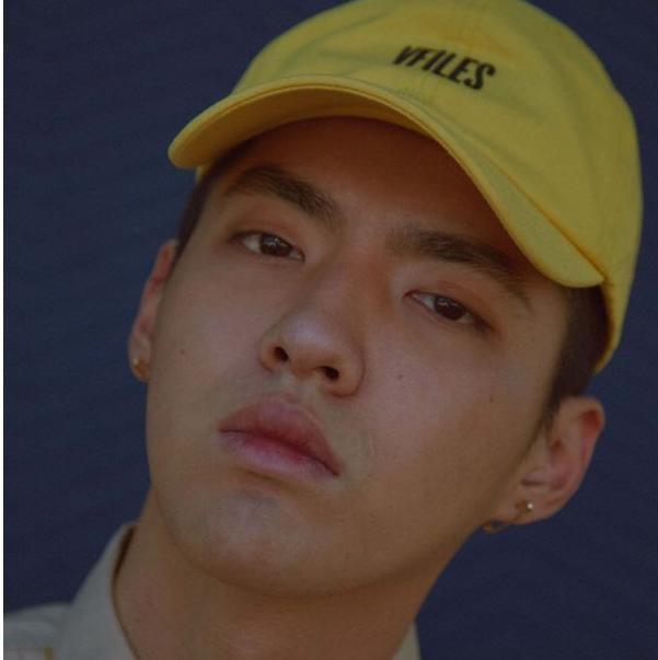 男星卸妆后的样子,鹿晗憔悴,吴亦凡皮肤暗淡,易烊千玺依旧帅气