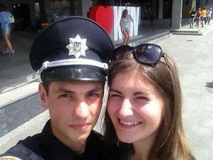 性丑闻事件:少女睡了31名警察