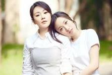 【时尚大拍档】48岁闫妮瘦了气质真自信,穿搭造