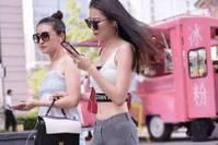 """【娱乐灵凡】抖音""""液体裤""""美女"""