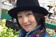 「北青网」明星出门买菜:关晓彤武装很严实,赵丽颖接