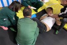 新闻夜航■240斤小伙学网红玩蹦床,一声惨叫后竟然这样了!