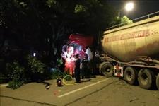 「最美清溪」午夜街头两车相撞 清溪消防紧急施救
